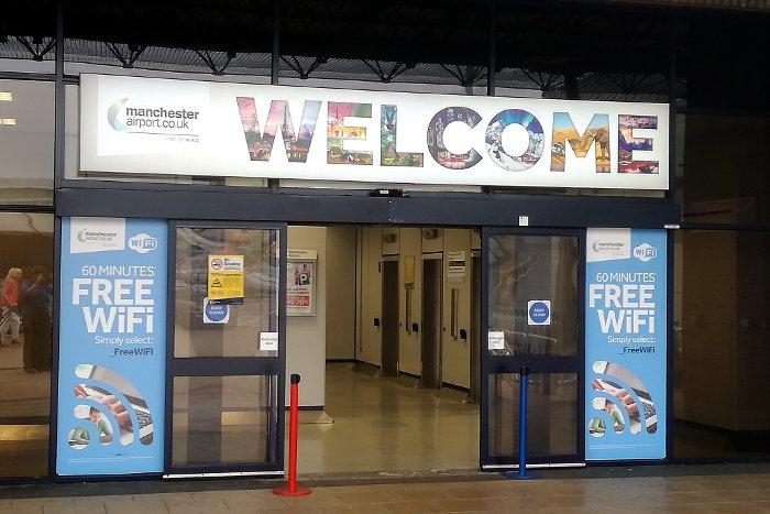 Reiseroute Wales Flughafen Manchester